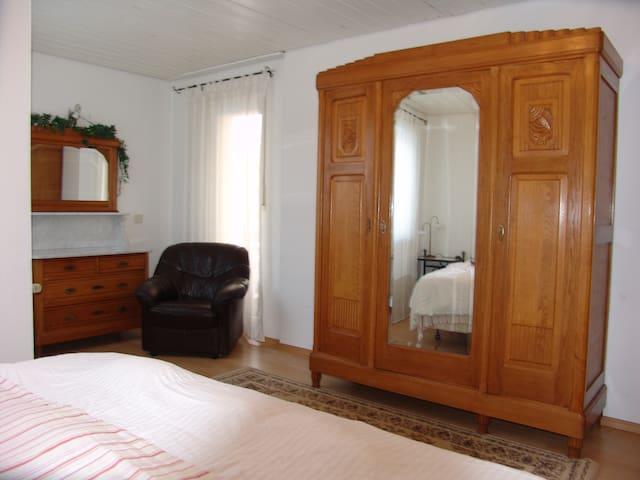 Sasha's Guest House unit 2 - Ramstein-Miesenbach - Leilighet