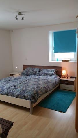 Centrum kamers, rustig met parkeren - Freyung - Appartement