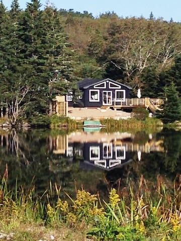 Ocean Front Cottage @ Cleveland Beach - Hubbards - Kulübe