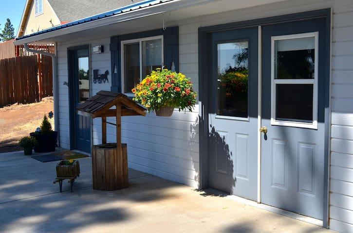 LITTLE KLICKITAT COTTAGE - Goldendale - Apartament