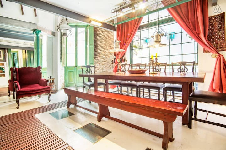 Colonial house, wine cellar, pool!! - Buenos Aires