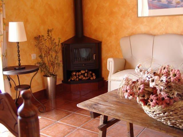 Disfruta de la absoluta tranquilidad...4 plazas - Estepa - Villa