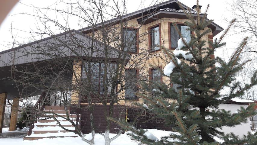 Коттедж в Ивантеевке - Ivanteevka - Huis