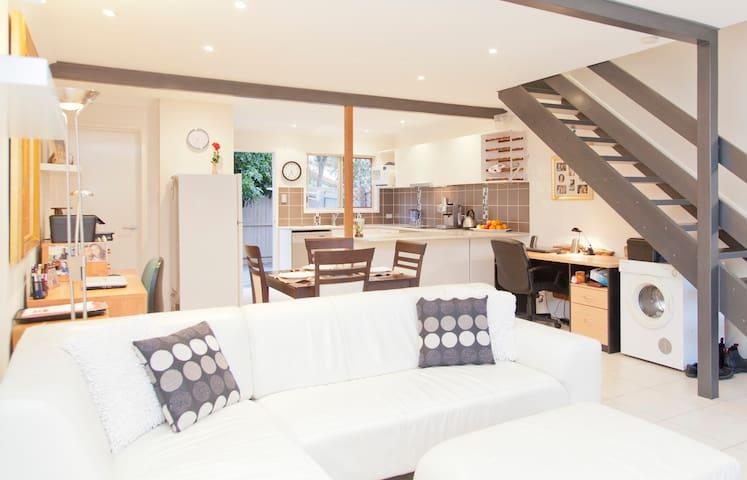 Lovely T/house,Private room/ensuite - Ormiston - Гестхаус