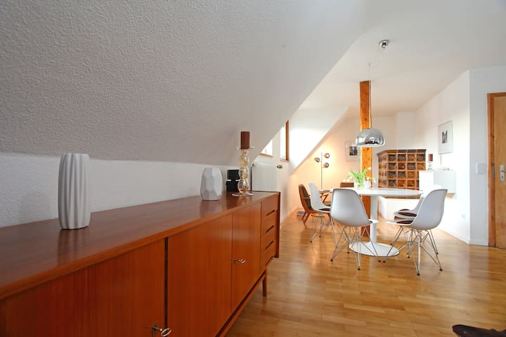 Charming apartment with retro flair - Forchheim - 公寓