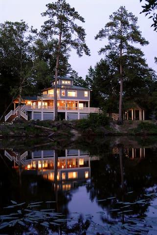 Cape Fear River Retreat - Burgaw - Huis
