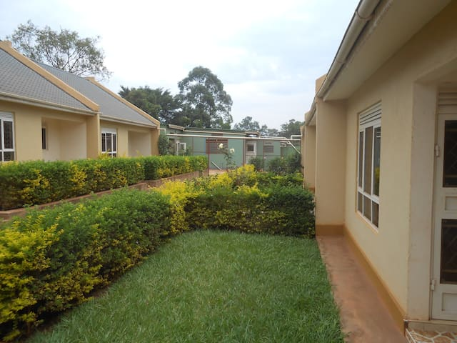 Garden Court Apartment #4 - Kampala
