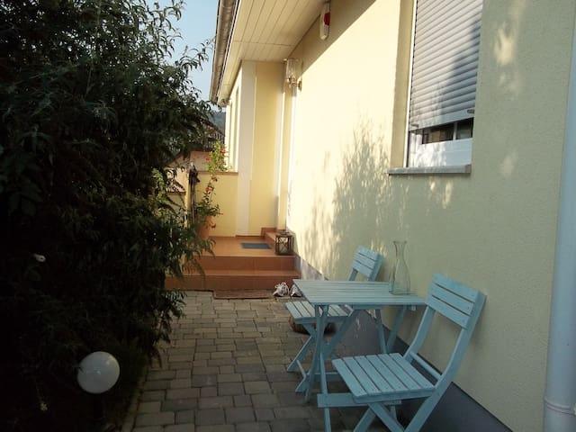 Wien,Haus in idylischer  Weingegend - Unterolberndorf - Appartement