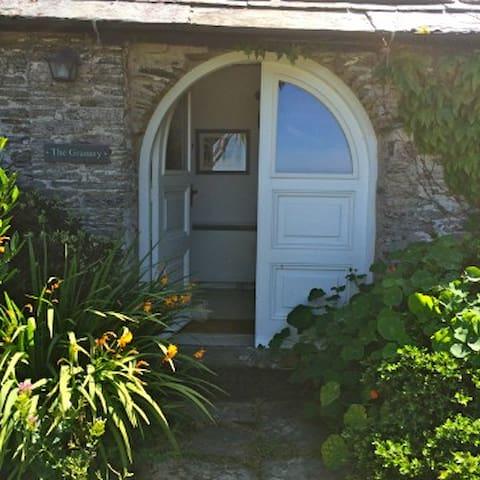 The Granary, Halgabron, Tintagel - Tintagel - Casa
