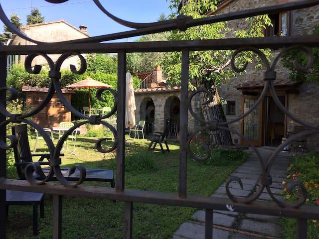 B&B A Casa di nonna Gege - Torre - Pistoya - Bed & Breakfast