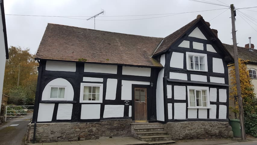 The Old Forge - Pembridge - Hus