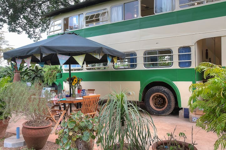 The Brandy Bus - Renovated Bus in Quiet Paradise - Nairobi - Casa