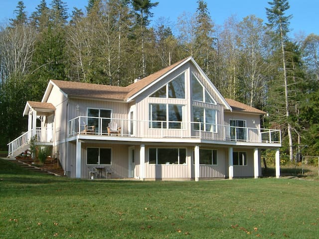 Country Aire Bed and Breakfast - Fanny Bay - Aamiaismajoitus