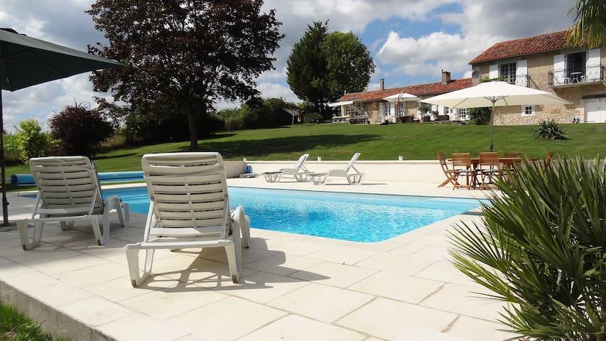 Le Petit Pible - Montignac-le-Coq (near Aubeterre-sur-Dronne) - Huis