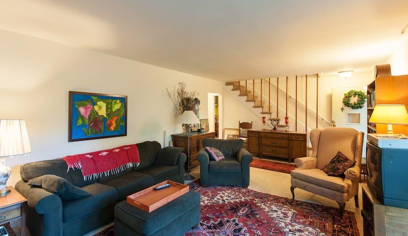 Studio @ Forested Property - Кенсингтон - Дом