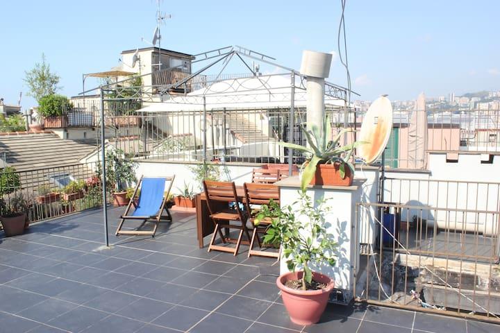 Beautiful Terrace in San Lorenzo - Gênes - Appartement en résidence