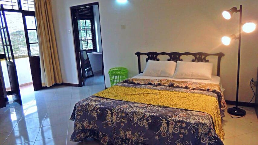 Gorgeous open space 3 storey home - Malabe - Hus