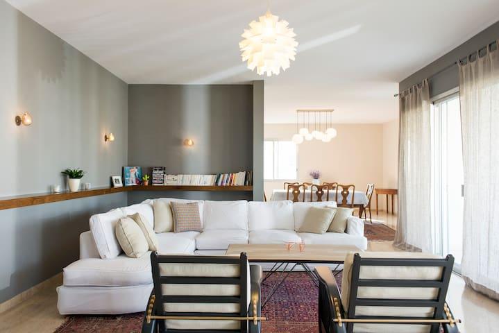 Elegant 4 bedrooms apartment - Baabda