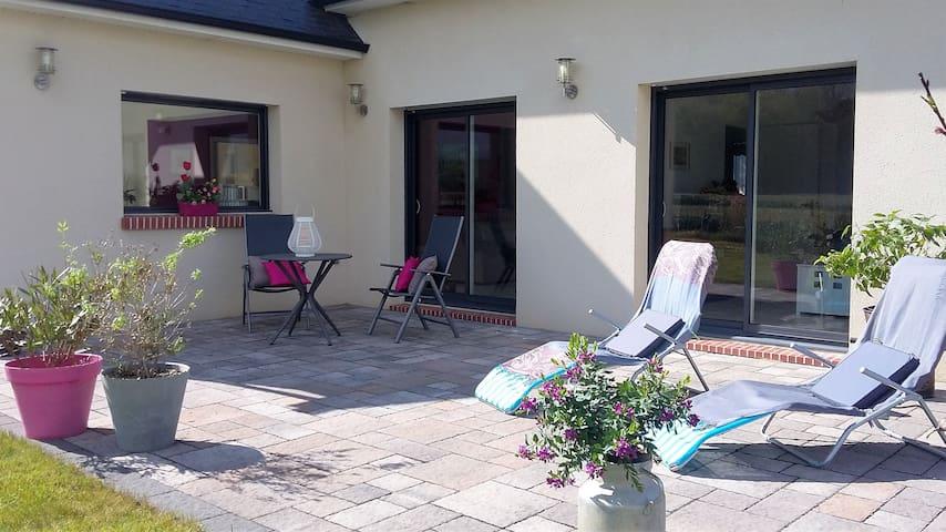 1 ou 2 chambres dans maison calme - Martot - Hus