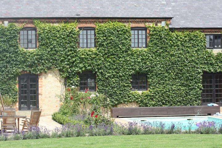 Stunning property near Woburn - Ridgmont