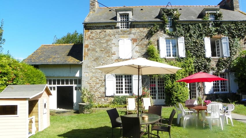 Lovely house with a large garden - Mont-Dol - Ev