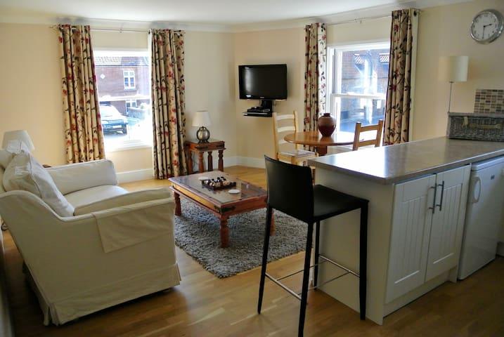 TideAway Luxury Seaside Apartment - Weybourne - Daire