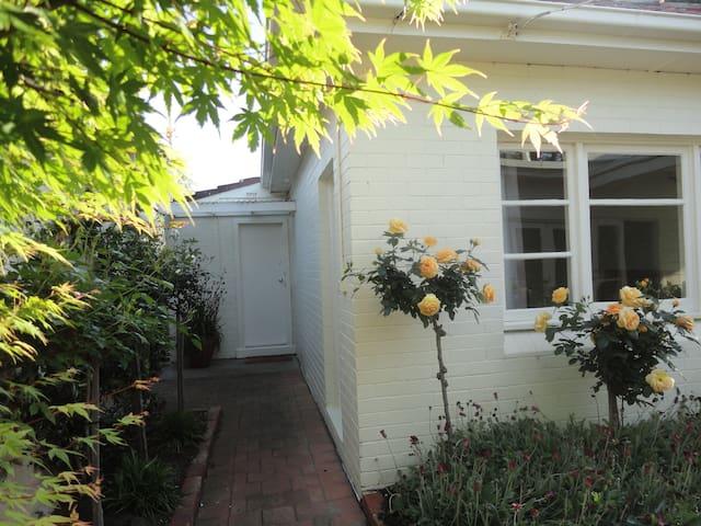 Charming cottage in Sandringham - Sandringham - 一軒家