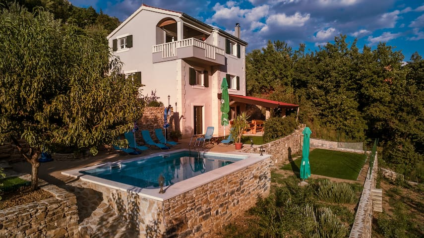 """Villa Eagle"" -isolated piece of your own paradise - Omiš - Vila"