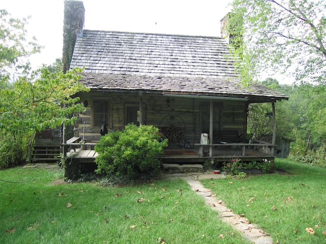 Get Away from it All in Authentic Log Cabin - Earlysville