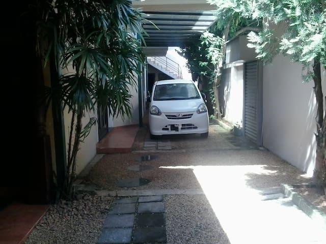 Colombo - Srilanka 5 Room House - Sri Jayawardenepura Kotte - Radhus