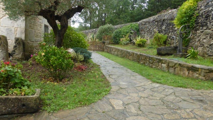 Casa Turismo Rural Valfresco - A Estrada - Pontevedra - Bed & Breakfast