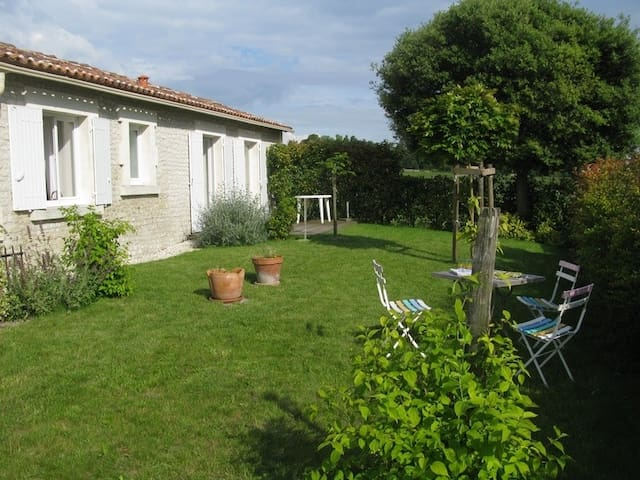 Cottage in the heart of Cognac - Juillac-le-Coq - Hus