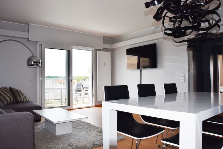 Modern Top Floor Lux City Apartment with Garage - Luxemburg - Appartement