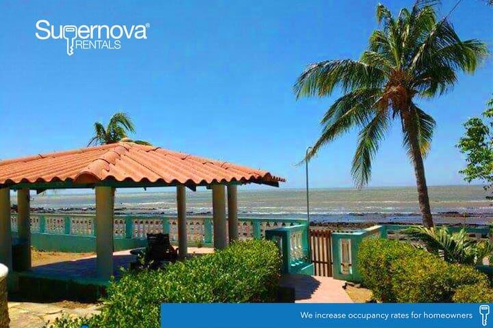 Villa Ninoska - Playa Casares - Talo