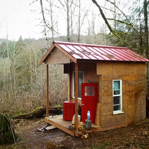 "Red Cabin on the Hill, ""Glamping"" - Kalama - Kulübe"