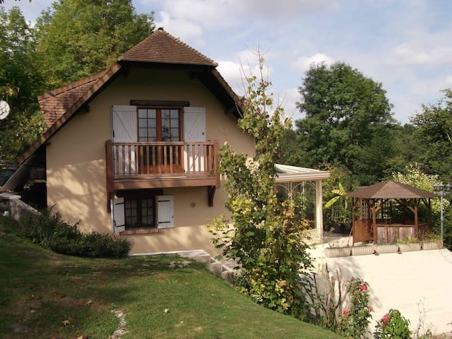 Cottage in Normandie, 100 km Paris - Fontaine-sous-Jouy - Casa