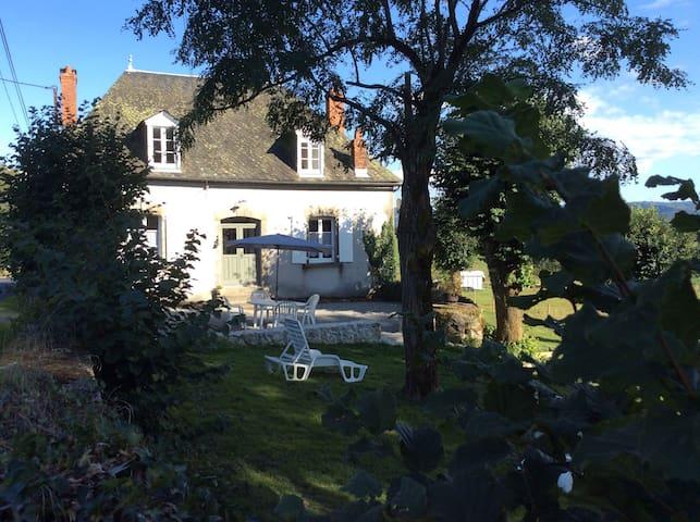 Gîte de Largères - Cantal - Champagnac