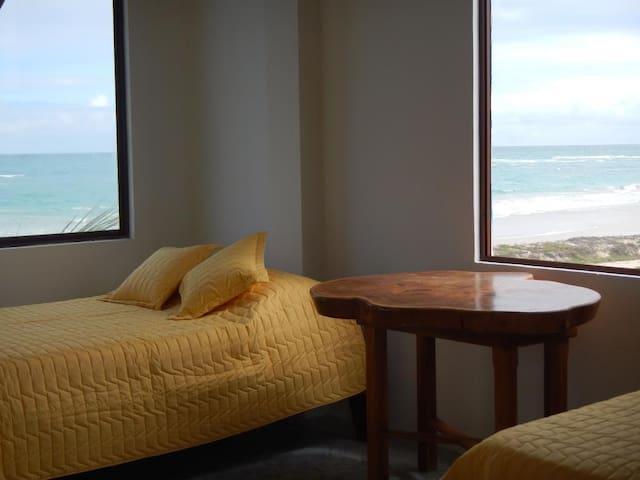 Habitación con linda vista al mar. - Puerto Villamil - Andre
