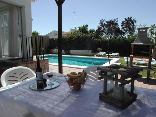 2 bedroom house and private pool(2) - Estartit - Casa