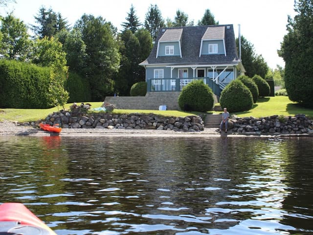 Belle maison de campagne sur lac Aylmer - Stratford
