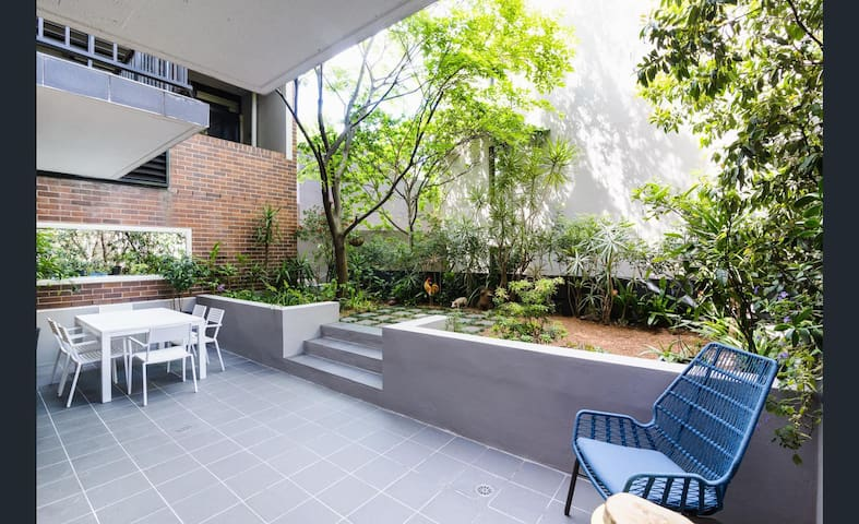 Private garden apartment minutes walk to the city - Chippendale - Apartamento