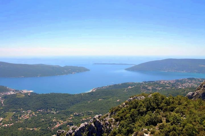 Villa, pool and relax for 9-12 persons - Herceg Novi - Hus