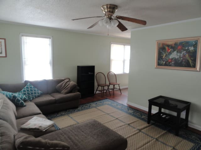 Nice Home 3 miles to Historical Tryon Palace - New Bern - Huis