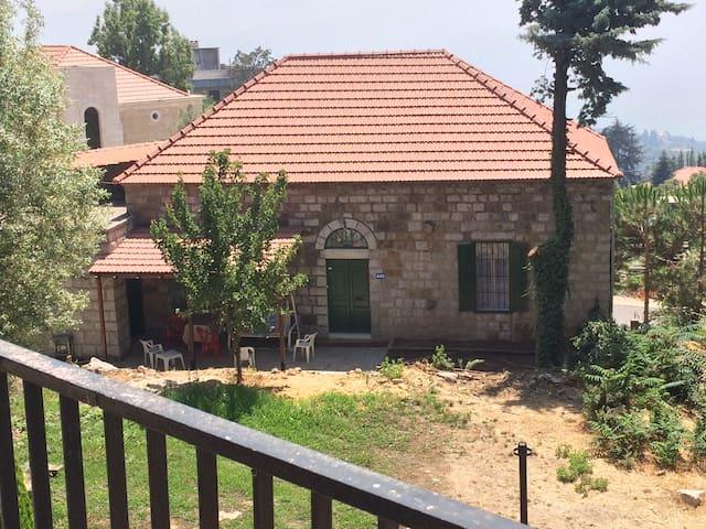 Tipical lebanese house - Raifoun - Dom