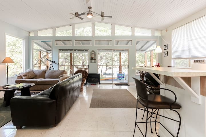 Private Waterfront house and dock! - Leander - Huis