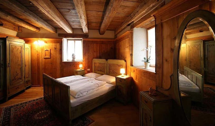 "Double Room ""Wood"" in Val di Fiemme - Carano - Bed & Breakfast"