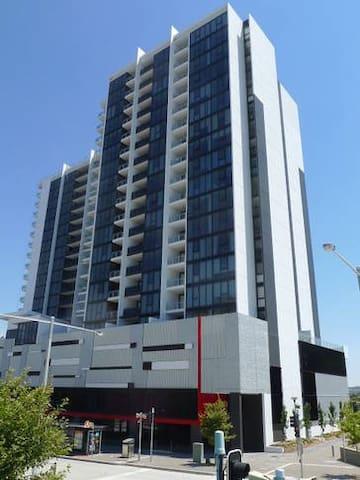 Sentinel98 Executive Apartment - Belconnen - Departamento