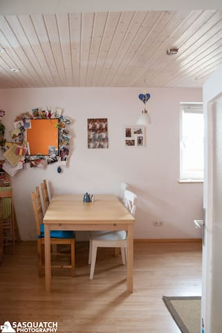 Small house w. garden Oktoberfest - Mering - Casa