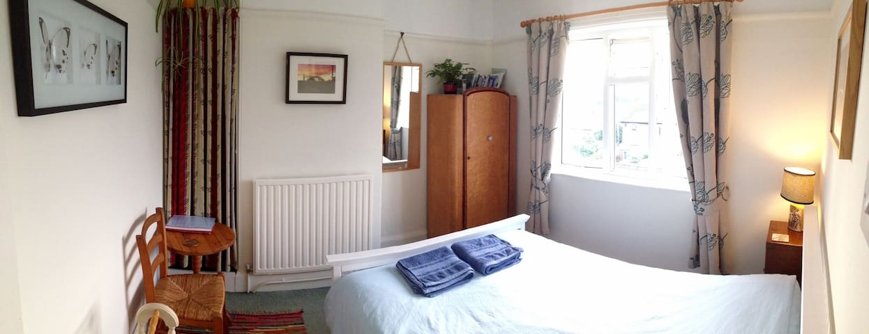 Bright room with beautiful views - Totnes - Ev