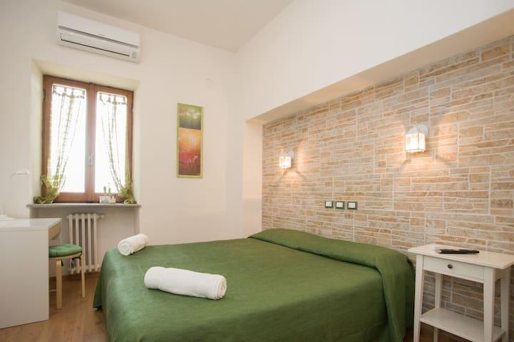 """B&B La Rocca- room """"La Fornella"""" - Caprarola - Bed & Breakfast"""